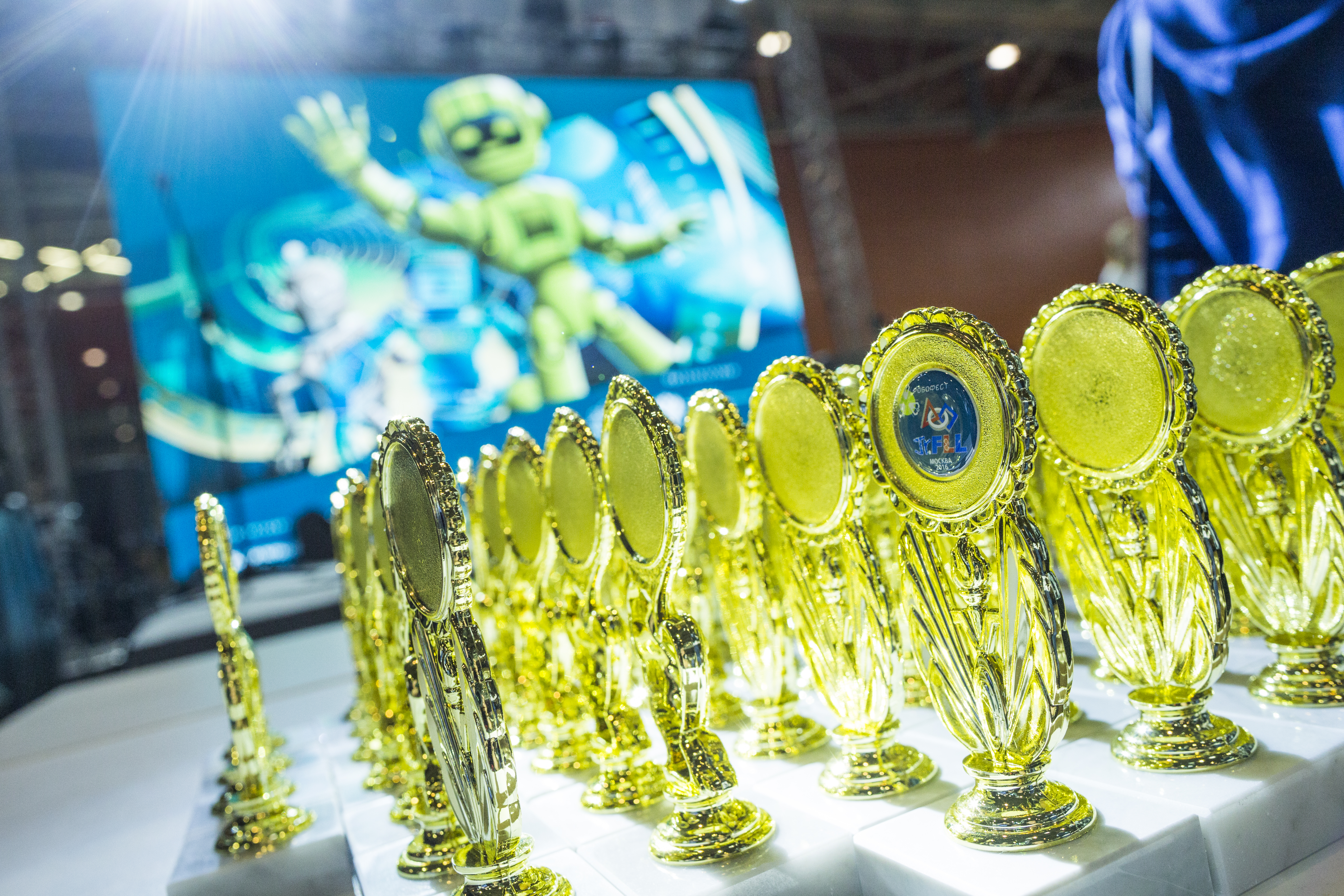 Moscow young robotics team sweeps RoboFest-2016